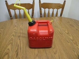 Vintage 2 Gallon Plastic Vented Gas Can Gasoline Chilton Can P20 Can