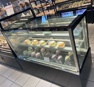 3 layers Refrigerated Display Cases 47 Wide Countertop Showcase W Humidifier