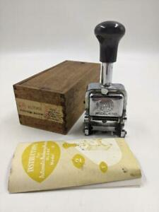 Vintage Globe Automatic Numbering Machine Model 10 style D 7 wheel 5 action Box