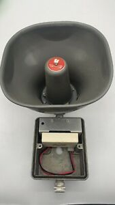 Federal Signal 300gc 024 Amplified Speaker Tested Works Good Missing Front Cover