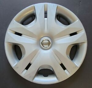 One Wheel Cover Hubcap 2010 2012 Nissan Versa 15 Silver 53083 Used