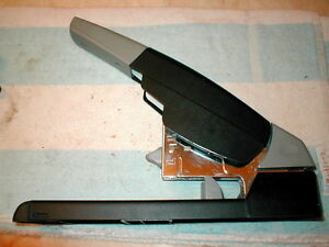 Swingline 90002 High capacity Heavy duty Stapler Up To 210 Sheets 20 Works Grt