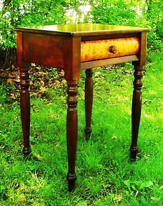 Cherry Birdseye Sheraton Federal Furniture Antique Nightstand Side Table 1795