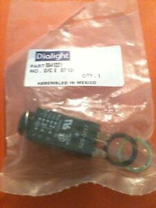 Dialight Pushbutton Switch Momentary Dpdt Square 125vac 30vdc