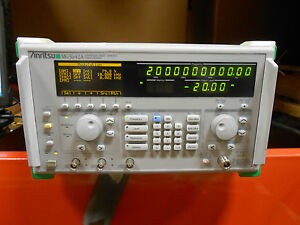 Anritsu Mg3642a Synthesized Signal Generator