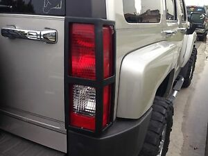 Hummer H3 Deluxe Black Powder Tail Light Guard