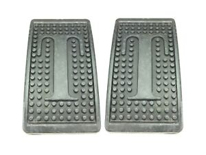 Pair Of New Brake Clutch Pedal Pads Triumph Tr3 Tr4 Tr6 Spitfire Gt6 Letter T