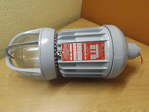 Crouse Hinds Evma 83251 120 Hazard Gard Lighting Fixture Explosion Proof 250w