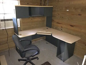 L shaped Desk With Matching Hutch And Desk Chair