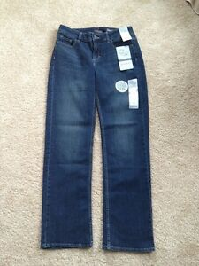 NWT Women#x27;s Reserve By Lee 12M 12P Instantly Slims You Straight Leg Jeans $19.99