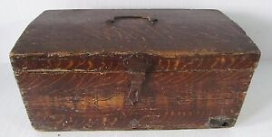 Early 19th Century Dome Topped Grain Painted Stage Coach Antique Box Trunk