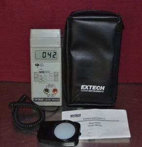 Extech Model 401025 Digital Foot Candle Lux 3 Range Light Meter W Case manual