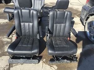 11 12 13 14 15 Chrysler Town Country Stow N Go Middle Row Seat