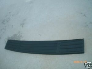 2003 2006 Ford Expedition Oem Rear Bumper Cover Step Pad Factory