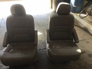 2003 Honda Odyssey Second Row Leather Seats