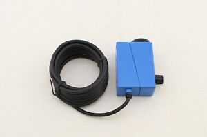 Color Mark Sensor With Supply Voltage 10 30vdc And 2m Cable Bzj 511