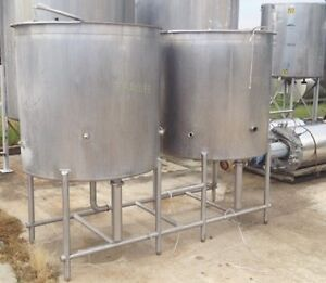 Used 300 Gallon Walker Cip clean In Place Stainless Steel Tanks Frame Mounted