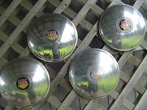 Vintage 1948 1949 Oldsmobile Delta Custom Cruiser Town Sedan Hubcaps Wheel Cover