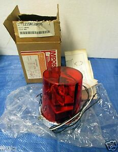 Red Rotating 120v Beacon Light By Federal Signal Corporation 121s 120rsb New