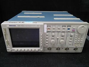 Tektronix Tds754a 2 Gsa s 500mhz 4 Channels Digital