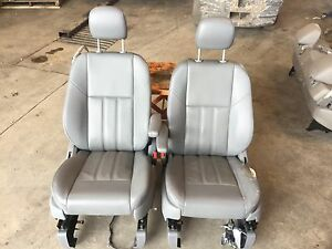 2008 Chrysler Town And Country Leather Front Seats