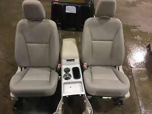 2007 Ford Edge Grey Cloth Front Seats And Console Stock 161248