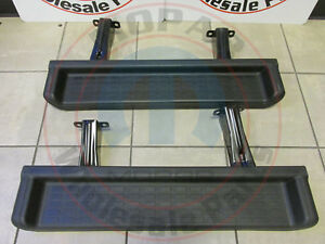 Jeep Wrangler Production Style Molded Black Side Steps New Oem Mopar