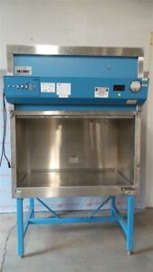 Nuaire Nu 119 400 4 Biological Safety Cabinet Hood 1phase W stand