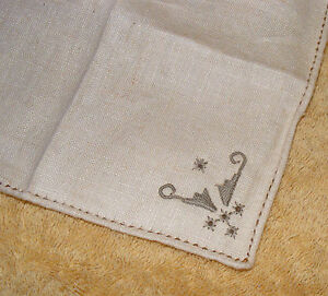 6 Vintage Small Finger Tip Napkins For Formal Setting Embroidered Corners Linen