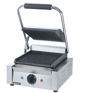 Adcraft Sg 811 Single 8 X 8 Electric Ribbed Sandwich Panini Grill