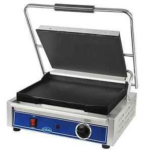 Globe Gsg1410 14 X 10 Single Panini Sandwich Grill With Smooth Plates