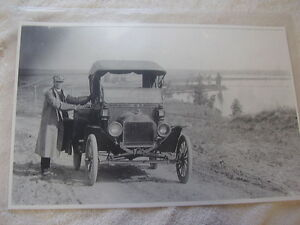 Ford Model T Roadster Man In Great Driving Outfit 11 X 17 Photo Picture