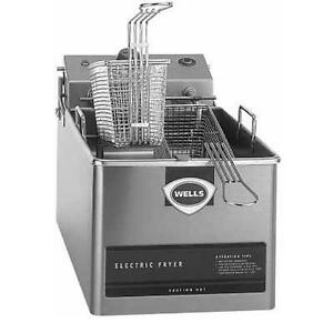 Wells Llf 14 Countertop 14lb Standard Twin Basket Electric Fryer