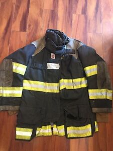 Firefighter Cairns Turnout Bunker Coat 40x32 Black Halloween Costume