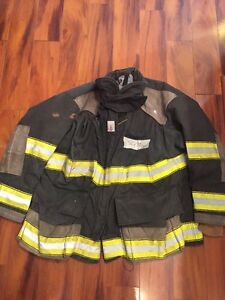 Firefighter Cairns Turnout Bunker Coat 52x32 Black Halloween Costume
