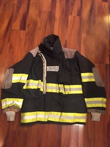Firefighter Globe Turnout Bunker Coat 38x29 Black Halloween Costume
