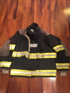 Firefighter Globe Turnout Bunker Coat 46x29 Black Halloween Costume