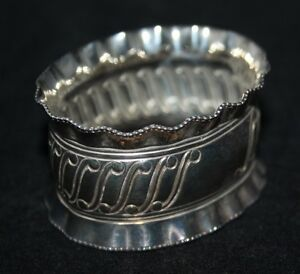 A Vintage Frilled Silver Plated Napkin Ring