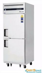 Everest Esfh2 One Section Two Half Door Upright Reach in Freezer