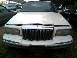 Tail Light Center 8 Lights Fits 95 97 Lincoln Town Car 20027