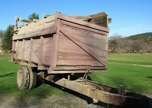 Farm Equipment Modified Rear Dump Forage Wagon