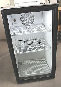 True Gdm 06 ld Glass Door Cooler merchandiser With Stainless Steel Top