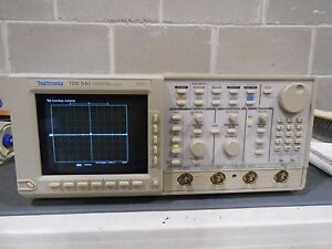 Tektronix Tds 540 Four Channel Digitizing Oscilloscope