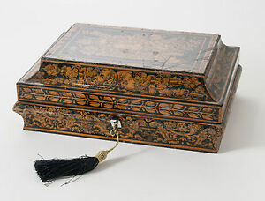 Georgian Regency Rare Penwork Mask Head Lacquer Box Inscribed Name