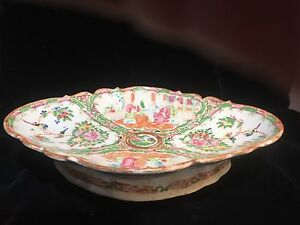 Large Antique Chinese Rose Medallion Footed Oval Bowl Centerpiece 18th Or 19thc