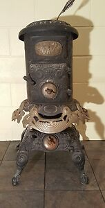 Very Good Condition Ebony Oak Wood Burning Stove Model 612