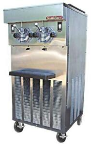 Saniserv 624 40 Quart Twin Flavor Milk Shake Machine Floor Model