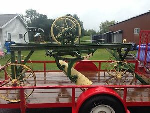 Clide Minneapolis Antique Horse tractor Drawn Road Grader