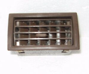Dash Vent A C Heat Toyota Truck 4runner 84 89 Middle Center Brown