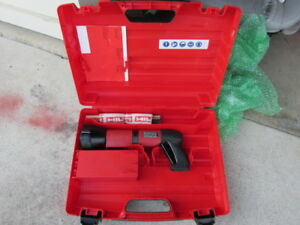 Hilti Dx 600n Heavy Duty Powder Actuated Nail Stud Gun Kit New combo 692